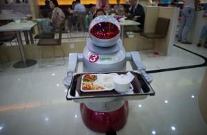 Les robots comprennent une quarantaine de phrases ou de consignes.