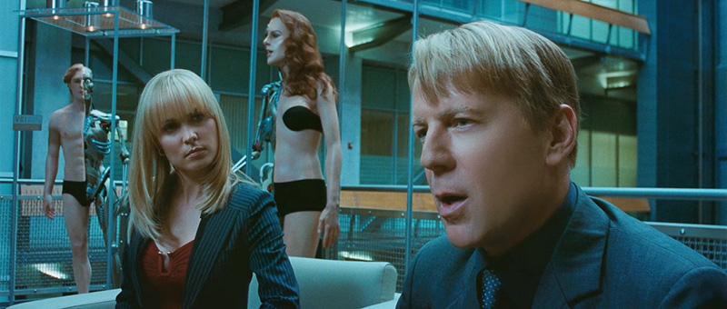 Reconstitution dramatique. Le film Surrogates met en scène un monde envahi par des «marionnettes» d'apparences humanoïdes.