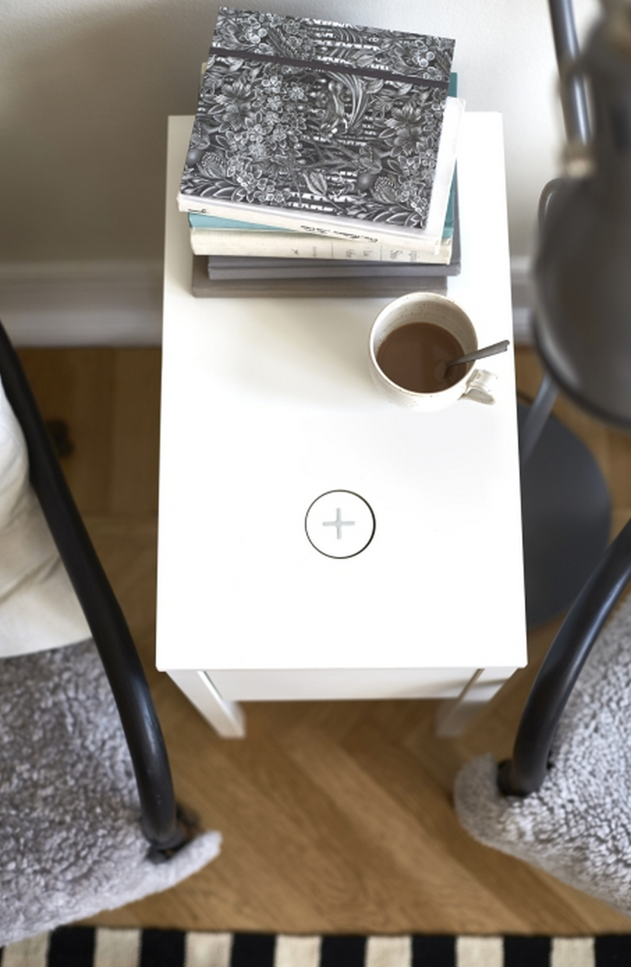 IKEA-Qi-wireless-charging-furniture-5